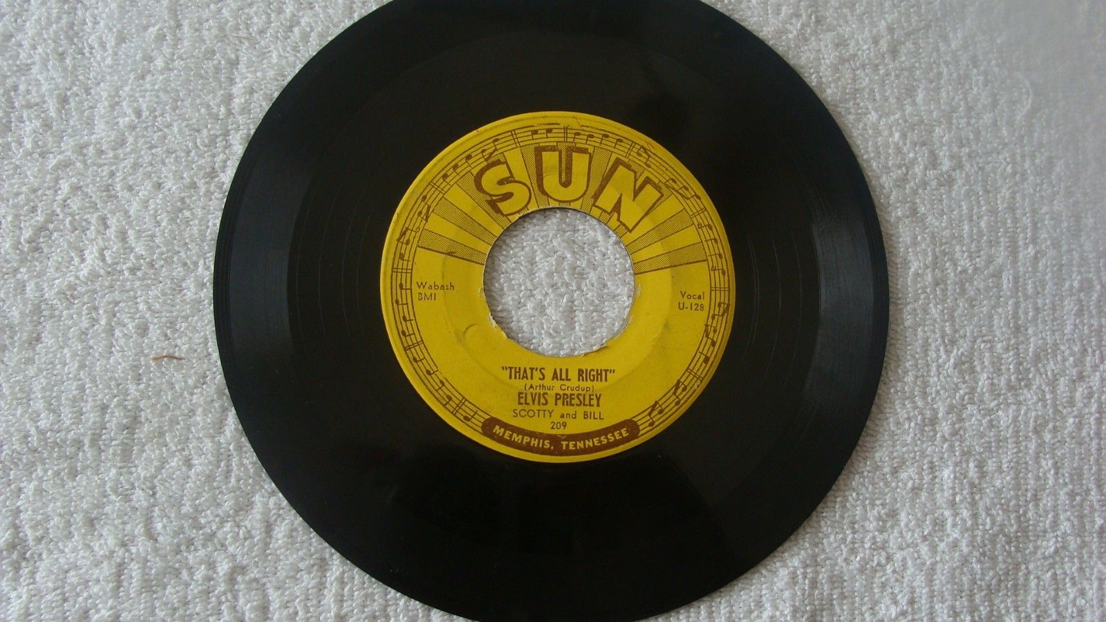 REDUCED $500  ELVIS - SUN 209 - THAT'S ALL RIGHT -  ROCKABILLY -  45 RPM, VG+