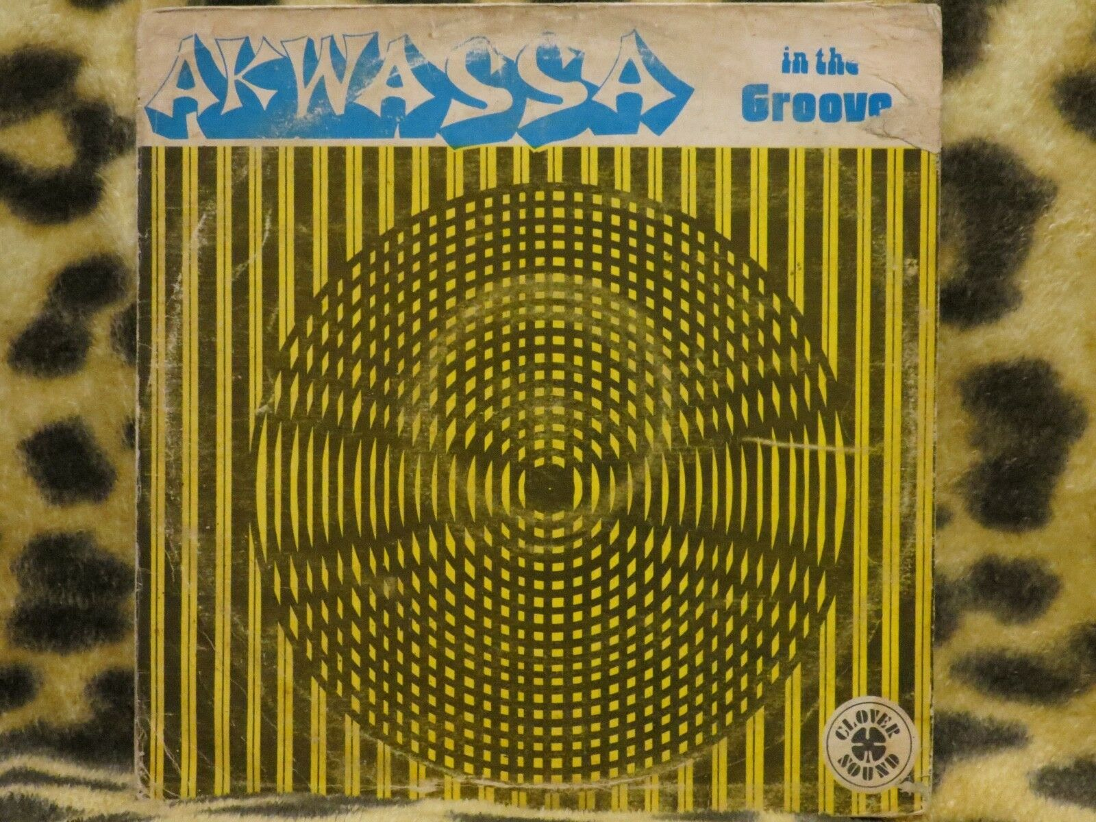 "AKWASSA ""In the groove"" on CLOVER SOUND Rare AFRO FUNK KILLER"